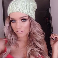 I have a slight girl crush on her... but ashy rose gold hair?! Omg get on my head! Have to stop bleaching.. must do this