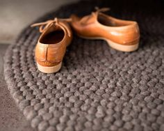 Sixties-sko-lys-brun-teppe_Sukhi My Room, Cole Haan, Must Haves, Baby Shoes, Oxford Shoes, Dress Shoes, Inspiration, Shopping, Floor