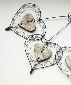 Reuse Some Wire To Create Beautiful And Adorable Handmade Ornaments Bead Crafts, Arts And Crafts, Copper Wire Crafts, Minimalist Christmas Tree, Wire Art Sculpture, Sell My Art, Scrap Metal Art, Wire Weaving, Handmade Ornaments