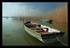Hungary, Boats, Ships, Explore, Places, Boat, Lugares, Exploring, Ship