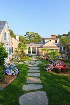 Elegant Outdoor Flagstone Walkway