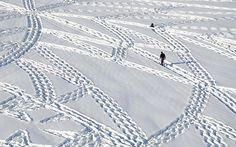 Snow art created by Simon Beck