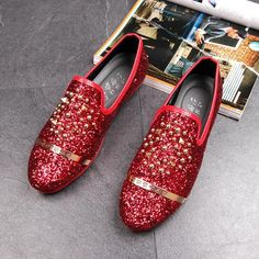 bc5db1a89ef New Dandelion Spikes Flat Leather Shoes Rhinestone Fashion Mens Loafers  Dress Shoes Men Slip On Casual Diamond Pointed Toe Shoes