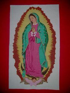 Virgen de Guadalupe boradada en punto de cruz.
