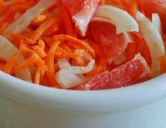 Insalata di finocchi, carote e pompelmo rosa