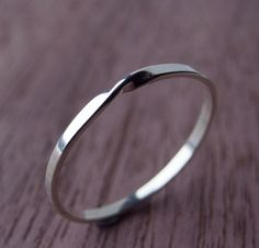 Hey, I found this really awesome Etsy listing at https://www.etsy.com/listing/127001241/moebius-ring-in-sterling-silver