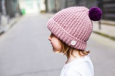 Rose Poudre - Powder pink bonnet with a plum-colored pompom, wool & alpaca - Handmade in France