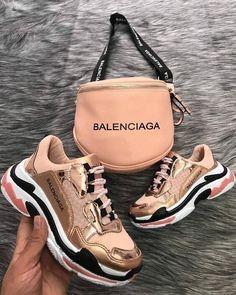 Balenciaga shoes Informations About - Frauen Schuhe Mode Pin You can easily use my profi Sneakers Fashion, Fashion Shoes, Aesthetic Shoes, Cute Sneakers, Girls Sneakers, Air Max Sneakers, Sneakers Nike, Hype Shoes, Fresh Shoes