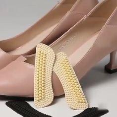 Massage Anti-blister Heel Cushions - feminine fashion for modern mom - Schuhe Sock Shoes, Cute Shoes, Shoe Boots, Shoes Heels, Shoes Sneakers, High Heel Inserts, Fashion Shoes, Fashion Accessories, Runway Fashion