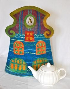 """Teapot Cozy """"Teahouse with a Bell"""" 14,2 x 18,5"""" (36 x 47 cm)"""
