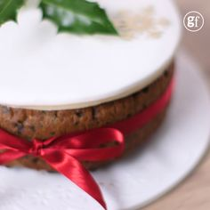 Make & mature Christmas cake Bake this festive fruit cake in advance of Christmas and feed it regularly with rum, brandy or whisky to build the flavour and keep it moist Christmas Cake Designs, Christmas Cake Decorations, Christmas Cakes, Christmas Sweets, Xmas Cakes, Holiday Cakes, Christmas Desserts, Christmas Decor, Christmas Cake Recipe Traditional