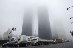 La densa niebla persiste en Buenos Aires. Foto: LA NACION /Rodrigo Néspolo