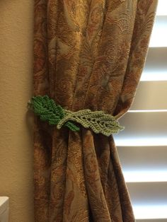 Set of homemade crochet leaf pattern sage green Curtain/drapery tiebacks (set of 2). The leaves 7 measure inches long and are 2 inches wide. The