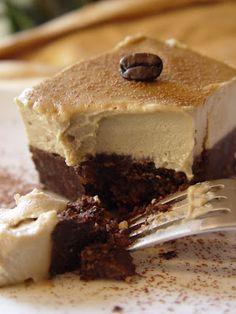 Raw, gluten free, vegan mocha fudge brownies. http://goddessintheraw.blogspot.ca/2012/04/mocha-fudge-brownies.html #vegan #dessert