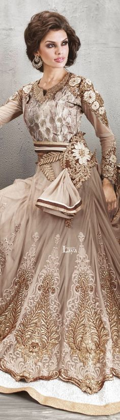 23 Ideas For Indian Bridal Shoes Anarkali Suits Anarkali Churidar, Anarkali Suits, Salwar Kameez, Pakistani Couture, Indian Couture, South Indian Bridal Jewellery, Shower Dresses, Tulle Dress, Indian Fashion