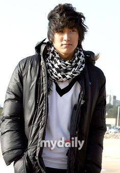 Lee Min Ho / Don't like him at all, but he looks quite good in this pic Hyun Jae, Lee Hyun, Lee Jong Suk, Kim So Eun, Kim Joon, Boys Over Flowers, Hot Actors, Actors & Actresses, Koo Hye Sun