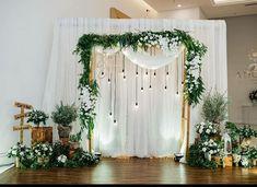 Ideas Wedding Vintage Ceremony Backdrop Ideas For 2019 Vintage Wedding Backdrop, Wedding Backdrop Design, Rustic Wedding Backdrops, Diy Backdrop, Wedding Ceremony Backdrop, Photo Booth Backdrop, Ceremony Decorations, Wedding Centerpieces, Wedding Rustic