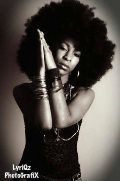 I love this.  If only I could wear my #naturalhair like this to work #teamnatural