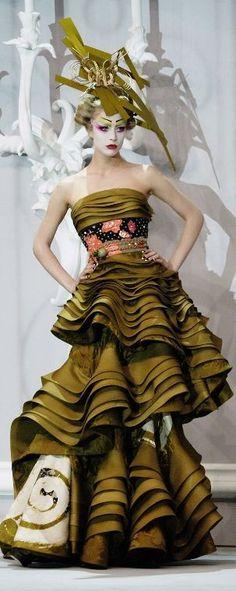 """John Galliano for Christian Dior Haute Couture Spring 2007 """"Madame Butterfly"""" Dior Haute Couture, Dior Fashion, Fashion Art, Fashion Show, Paris Fashion, Mens Fashion, Christian Dior, John Galliano, French Fashion"""