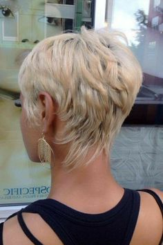 42 Latest Short Hairstyles to Refresh Your Look Today!, Latest Short Hairstyles The onion-bow is always relevant, though, fashion always puts a new meaning into this definition. This is how naturalness mani. Haircuts For Medium Hair, Latest Short Hairstyles, Short Hairstyles For Thick Hair, Choppy Bob Hairstyles, Face Shape Hairstyles, Short Hair With Bangs, Hairstyles With Bangs, Short Hair Cuts, Cool Hairstyles