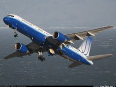 United Airlines Boeing 757-222 N532UA departing San Francisco-International, November 2006. (Photo: Keith Wahamaki)