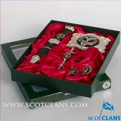 Gordon Clan Crest Kilt Accessory Set