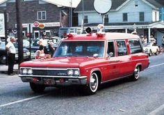 Wagons in vintage Street scenes 1966 Chevy Impala, Chevrolet Chevelle, Rescue Vehicles, Police Vehicles, American Ambulance, Station Wagon Cars, Chevrolet Suburban, Emergency Vehicles, Fire Engine