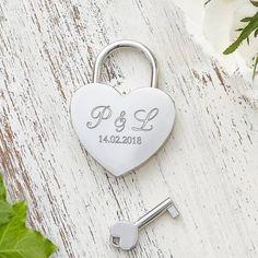 personalisierbar mit Gravur Antik Holz Geschenkbox Box Geschenk zum Valentinstag Love
