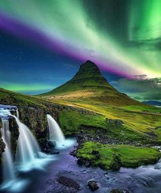 Hd Nature Wallpapers, Iceland Photos, Les Cascades, See The Northern Lights, Skyline, Interstellar, Travel Abroad, Mother Nature, Nature Photography