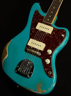 Fender Custom Shop Jazzmaster in Taos Turquoise. I had always imagined that it would be a great colour choice for a JM, and it's nice to finally have it proved! Guitar Shop, Music Guitar, Cool Guitar, Playing Guitar, Guitar Art, Violin, Fender Custom Shop, Custom Guitars, Guitar Tips