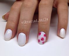 #white #nails #pink #roses #nailart