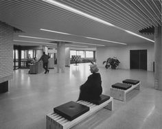De hoofdingang jaren '60 Diaconessenhuis Eindhoven. #ziekenhuis