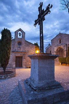 Wrought Iron cross at Place de Saint Vincent, Les Baux de-Provence, France. Provence France, Paris France, Provence Style, Beaux Villages, Mediterranean Homes, French Countryside, Chapelle, Rhone, Place Of Worship