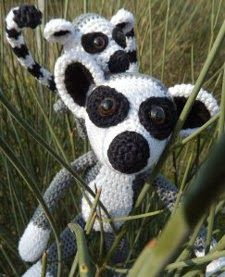 This free Lemur pattern is a vailable on the Ami Loves Gurumi blog . It's a PDF download: you can download both English and German.