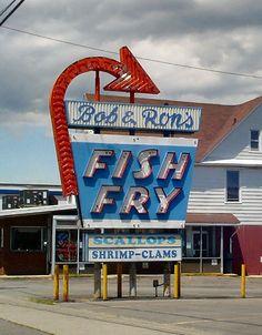 Bob & Ron's Fish Fry neon sign