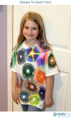 Using Sharpies to tie dye t-shirts is easy and would be a great kids' craft!