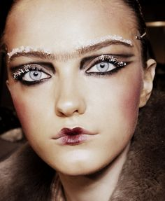 Vlada Roslyakova at John Galliano Autumn/Winter 2010  #beauty #hair