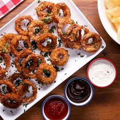 Spinach Dip Mozzarella Sticks Recipe by Tasty Mozzarella Sticks Recipe, Onion Rings Recipe, Sour Cream And Onion, Tasty, Yummy Food, Spinach Dip, Potato Chips, Potato Snacks, Anna