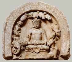Lunette with Buddha surrounded by adorants [Hadda, Afghanistan] (2005.314) | Heilbrunn Timeline of Art History | The Metropolitan Museum of Art