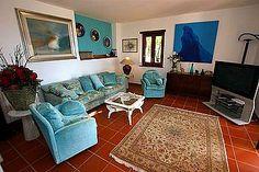 Ferienhaus: Villa Erasmo - Herrschaftliches Wohnen im Wohn-/Esszimmer mit Kamin, SAT-TV (dt. Programme!) und Zugang zur Meeresblick-Terrasse mit Pool. - ww.cilento-ferien.de