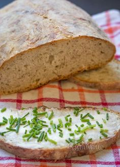 Chlieb náš najobľúbenejší - Slovak homemade bread with caraway seeds (Slovak… Slovak Recipes, Czech Recipes, Bread Recipes, Cooking Recipes, Slovakian Food, European Cuisine, Good Food, Yummy Food, Bread Bun