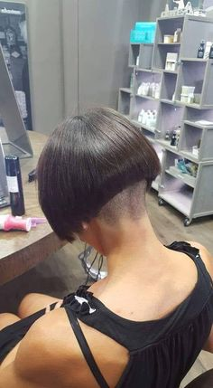 Stacked Bob for Thin Hair - The Full Stack: 50 Hottest Stacked Bob Haircuts - The Trending Hairstyle Edgy Haircuts, Stacked Bob Hairstyles, Stylish Haircuts, Short Bob Haircuts, Shaved Bob, Shaved Nape, Cut My Hair, Hair Cuts, Nape Undercut