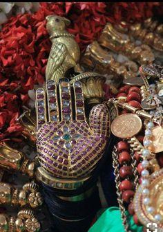 Traditional Indian Jewellery, Indian Jewelry, Temple Jewellery, Gold Jewellery, Lord Rama Images, Bhagavata Purana, Swami Samarth, Hanuman Images, The Mahabharata