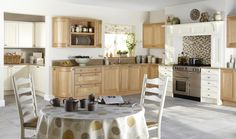 English Kitchen with range cooker - visit Alex Lee Kitchens, on Hillmorton Road in Rugby. Coventry, British Kitchen Design, Range Cooker Kitchen, Rugby, Oak Worktops, Hamptons Kitchen, Kitchen Showroom, English Kitchens, Traditional Kitchen