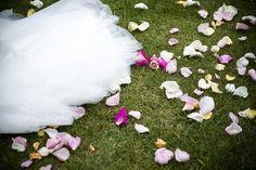 Hääkuvaaja Helsinki // Hääkuvaus Helsingissä Helsinki, Wedding Inspiration, Weddings, Outdoor Decor, Home Decor, Homemade Home Decor, Wedding, Marriage, Decoration Home