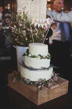 Photography: Rachael Muller  - rachaelmuller.com  Read More: http://www.stylemepretty.com/australia-weddings/2014/06/19/romantic-sydney-wedding/