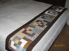 Resultado de imagen para flickriver ana patchwork Bed Runner, Table Runner And Placemats, Quilted Table Runners, English Cottage Interiors, Skinny Quilts, Small Quilt Projects, Electric Quilt, Hotel Bed, Quilt Bedding