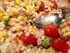Grilled Chicken & Barley Corn Tomato Salad with Tomato Vinaigrette.this was totally amazing, easy grilled chicken & super healthy! Corn Tomato Salad, Corn Salads, How To Cook Barley, Picnic Foods, Grilled Chicken, Food Inspiration, Grilling, Healthy Recipes, Healthy Foods
