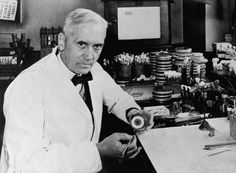 Alexander Fleming, Scottish scientist best known for his discovery of the antibiotic substance penicillin. He shared the 1945 Nobel Prize with Howard Florey and Ernst Chain, who contributed to creating medical penicillin. Alexander Fleming, Dr Alexander, Clever Inventions, Drug Discovery, Poster Size Prints, Vintage Photos, Photo Art, Fine Art Prints, Painting