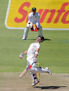 Brendon McCullum (NZ) evades a bouncer, vs South Africa, 1st Test, Cape Town, 1st day, January 2, 2013